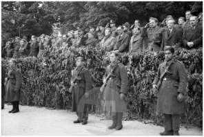 1156/12: Proglasitev prve povojne Slovenske vlade, Ajdovščina, 5. 5. 1945, foto Čoro Škodlar.