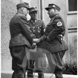1166: V sredini vodja Štajerske domovinske zveze SA-Standartenführer Franz Steindl, desni Fritz Knaus, Maribor, 25. 9. 1943, foto Veit.
