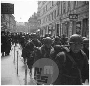 1245/19: Prihod italijanske vojske v Ljubljano, 12. 4. 1941, foto Miran Pavlin.