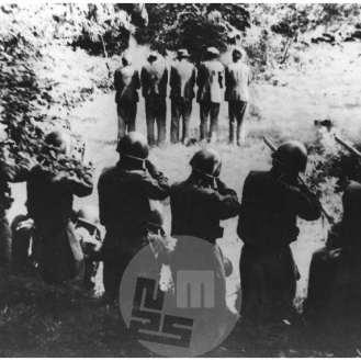 1818: Italijanski vojaki streljajo domačine iz vasi Dane v Loški dolini na Križni gori, 31. 7. 1942.
