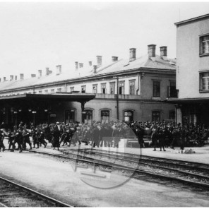 640: Odhod vermanov iz Maribora v akcijo proti partizanom, 16. 4. 1942, foto Veit.
