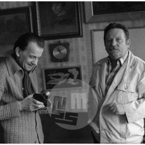 DE6523: Frane Milčinski Ježek z urednikom revije Stop, foto Janez Pukšič, leto 1982.