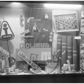 EP71_4: Izdelki Izolirke, Ljubljana, marec 1955, foto Edo Primožič.