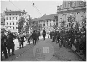 FS2162/30: Prihod partizanov v Ljubljano, 9. 5. 1945, foto Milan Štok.