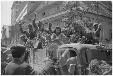 FS2164_2: Prihod partizanov v Ljubljano, 9. 5. 1945, foto Klaus Vladimir Klis.