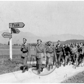 FS2302_16: Partizani jeseniško-bohinjskega odreda na Koroškem, maj 1945, foto Slavko Smolej.