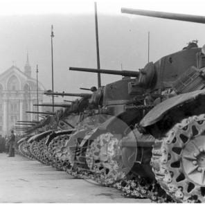 FS2879_4: Vojaška parada ob prvi obletnici osvoboditve Beograda, Ljubljana, 20. 10. 1945, foto Rudi Vavpotič.