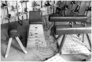 FS4056_41: Razstava telovadnega orodja tovarne Elan v Narodnem domu, Ljubljana, 8. 9. 1947, foto Leon Jere.