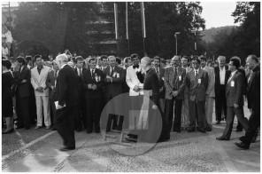 MC 910602_13: Slovesna razglasitev samostojnosti Republike Slovenije na ploščadi pred slovenskim parlamentom na Trgu Republike v Ljubljani, 26.6.1991.
