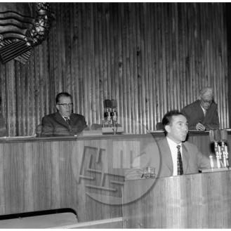 MŠ101_3: Stane Kavčič govori na seji Socialistične zveze delovnega ljudstva (SZDL), 2. 11. 1959.