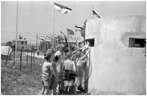 "MŠ130_2: Prvomajsko praznovanje ""Ob žici okupirane Ljubljane"", 1958."