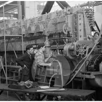 MŠ162_7: Preizkušanje novih dizelskih motorjev v tovarni Litostroj, Ljubljana, 1961.