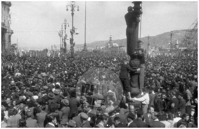 Veličastna prvomajska proslava in prvi telovadni zlet v Trstu, 1. maj 1946.