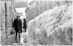 SJ48-1-8: Veliki snežni zameti v Ljubljani leta 1952.