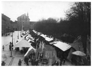 Sl192_5: Miklavžev sejem na Kongresnem trgu v Ljubljani.