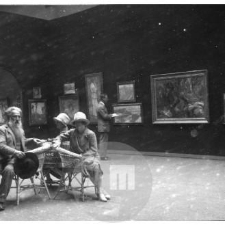 SL7114: Rihard Jakopič na slovenski razstavi v Pragi, 1927.