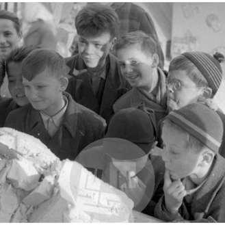 Novoletne dobrote, Ljubljana, 31. 12. 1954.