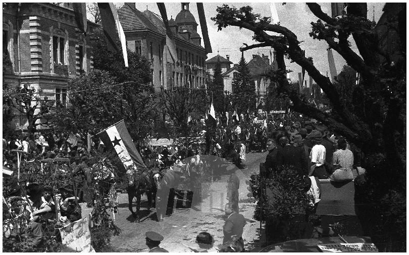 FS3216_2: Prvomajska parada v Ljubljani, 1.5.1946, foto Miloš Švabić.