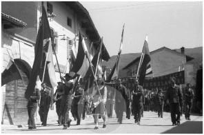 FS5383_001: Prvomajsko praznovanje v Solkanu, 1.5.1960, foto Jože Mally.