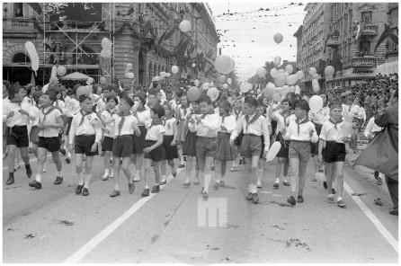 MC610502_29; Prvomajska parada v Ljubljani, 1.5.1961, foto Marjan Ciglič.