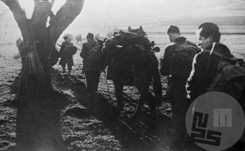 14. divizija pred prehodom preko reke Save 13. januarja 1944. Foto: Jože Petek
