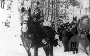 Namestnik komandanta Tomšičeve brigade Jože Lepin-Ris v bližini gradu Lindek 15. februarja 1944. Foto: Jože Petek