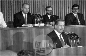 Dob_13, Češki predsednik Vaclav Havel govori v Parlamentu, november 1993.
