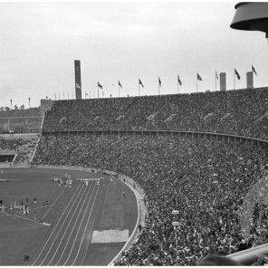 FCn_019: Pogled na olimpijski stadion v Berlinu. Berlin, avgust 1936.