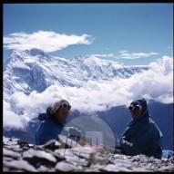 Aleš Kunaver (na levi) v gorah nad mananško šolo za gorske vodnike. Foto: neznan.