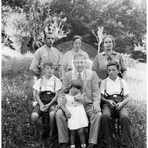FC17: Portret neznane družine.