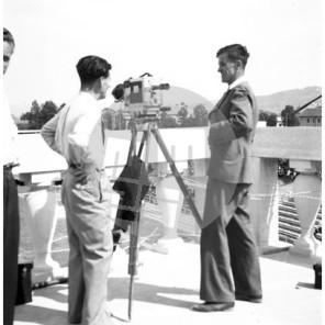 FCn_086: France Cerar (desno) ob filmski kameri.