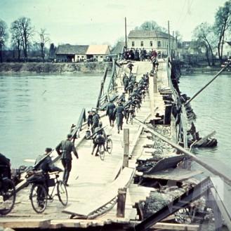 Prihod nemških vojakov čez Dravo, 1941, foto: neznan.