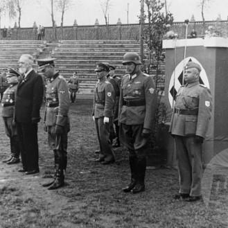 852_a: Prisega domobrancev na ljubljanskem stadionu. Ljubljana, 1944, foto: neznan.