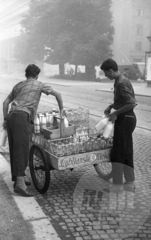 DE40_6: Ljubljana, junij 1957, foto: Svetozar Busić.