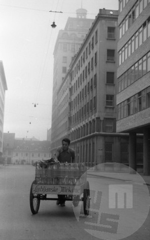 DE40_7: Ljubljana, junij 1957, foto: Svetozar Busić.