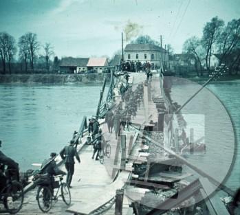 Pomožen most čez reko Dravo na Ptuju.