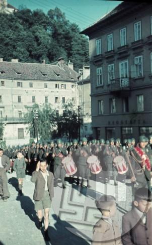 Italijanska parada junija 1941 na Kongresnem trgu v Ljubljani.