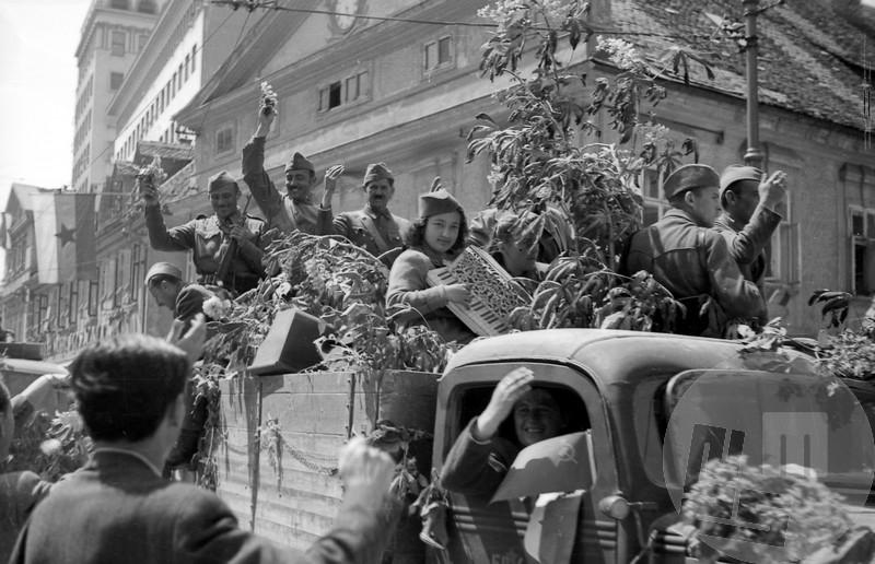 FS2164-2: Prihod partizanov v Ljubljano, 9. maj 1945, foto: Vladimir Klaus - Klis.