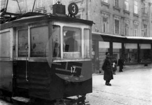 """Utrip na ljubljanskih ulicah - v italijanskem jeziku so označene tudi proge tramvaja - tramvaj št. 17 / 3 za smer Rakovnik oz. """"Racovnic"""". Foto: Jakob Prešeren"""