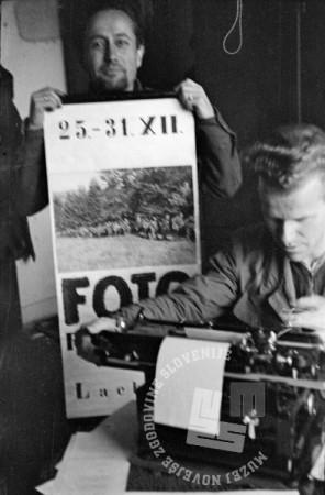 206-529_23: Propagandni letak za napoved fotografske razstave v hotelu Lackner v Črnomlju, december 1944, foto: Alfred Kos.
