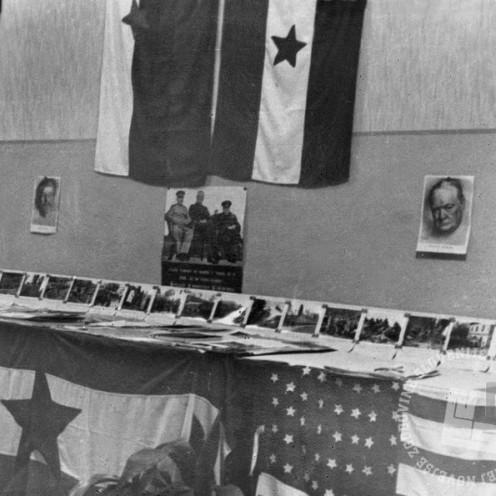 259-549_7: Razstava tiska in bojev 9. korpusa v Ajdovščini, 10. december 1944, foto: neznan.