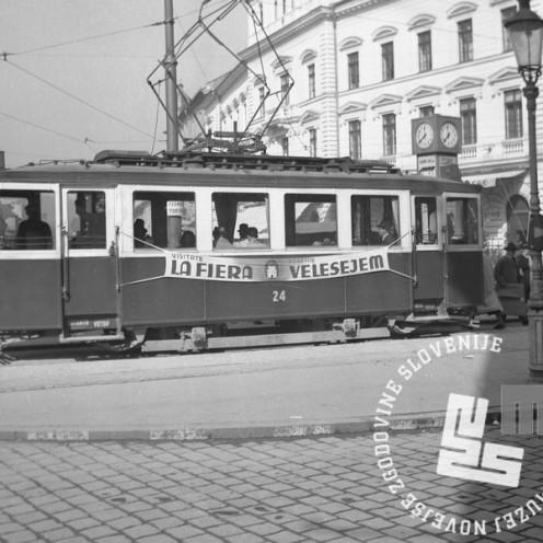 P_84: Oglas za ljubljanski velesejem. Ljubljana, 1941, foto: dr. Jakob Prešeren.