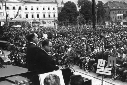 Koncert solistov Kraljeve opere iz Rima na Kongresnem trgu (v ospredju tenorist Beniamino Gigli), julij 1941, foto: Milan Pavlin.