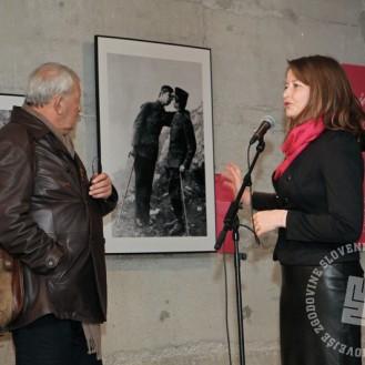 Avtorica razstave Irena Uršič in fotoreporter Nace Bizilj, foto: Sarah Poženel.