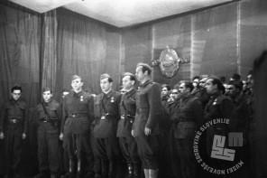 894_11: Proslava II. obletnice KNOJ-a v Črnomlju. Nastop invalidskega pevskega zbora, 17. marec 1945, foto: Franci Cerar