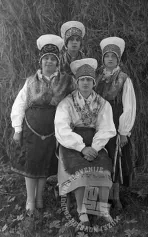 LP2641: Plevnik - skupinska fotografija 4 noš, med 1920 in aprilom 1932, foto: Peter Lampič.