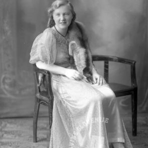 LP3719: Škrlep Angela, 1930, foto: Peter Lampič.