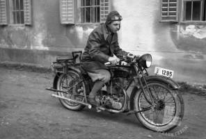 LP4315: Jerko Franc na motorju, 1931, foto: Peter Lampič.