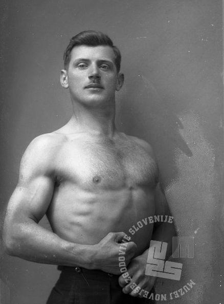 LP432: Kunaver Franc, Kleče, 1922, foto: Peter Lampič.
