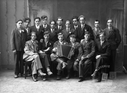 LP447: Naborniki na Ježici, 1933, foto: Peter Lampič.